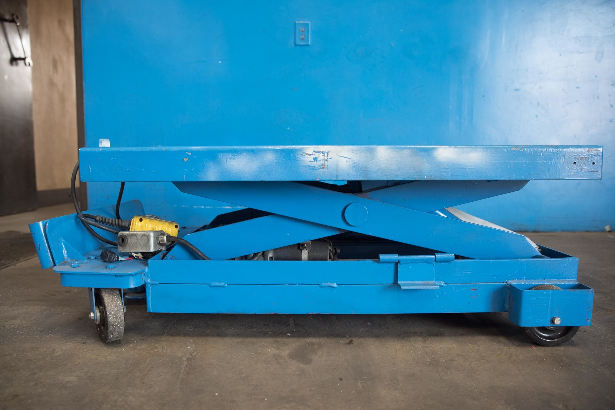 Used Tables For Sale - Southworth - Hydraulic Scissor Lift Table