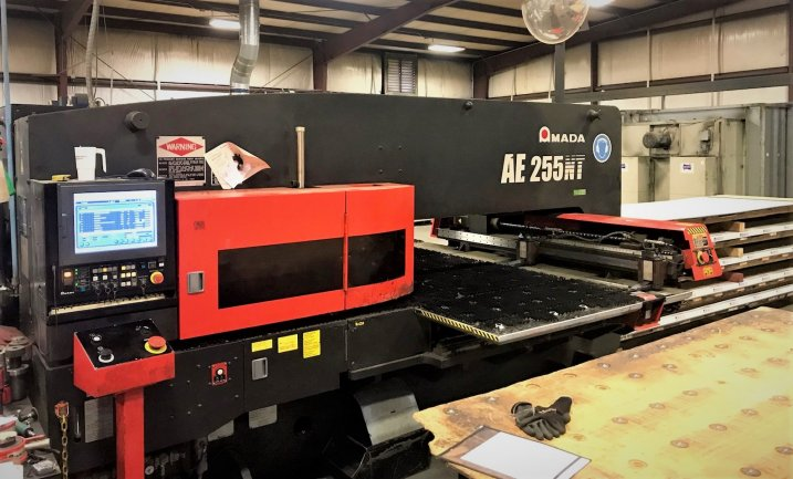 22 TON AMADA AE255NT SERVO-DRIVEN, 51 STATION, MFG:2011   Our stock number: 11883